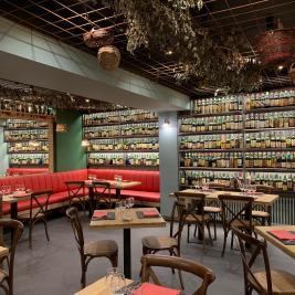 Décor intérieur restaurant Hotel Aran la Abuela Vielha